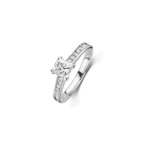Princess geslepen solitaire ring met zijdiamanten